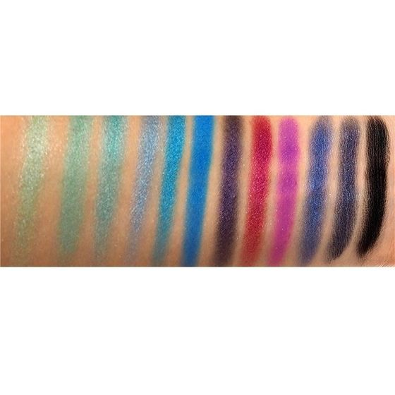 Makeup Revolution Mermaid's vs Unicorns Paleta cieni do powiek